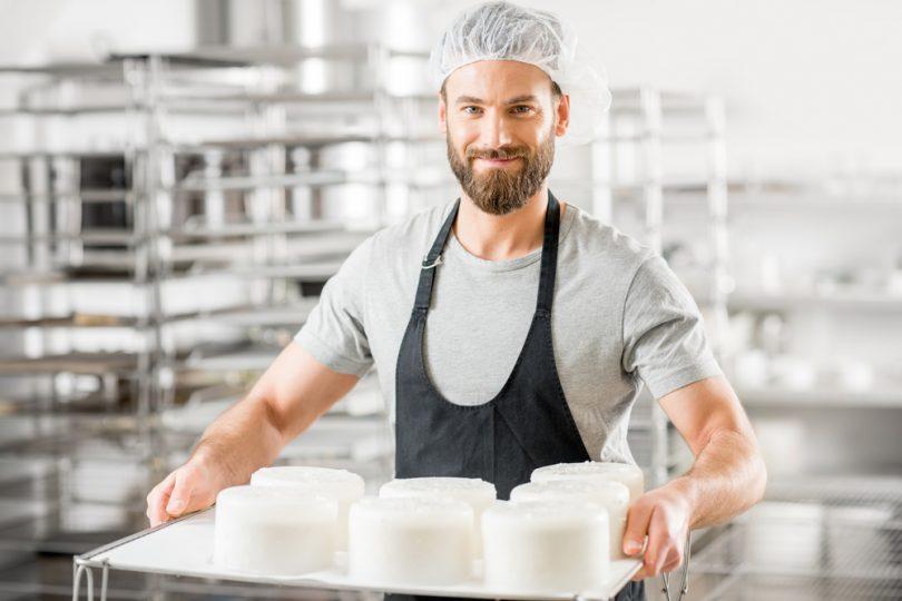 un homme fromagier