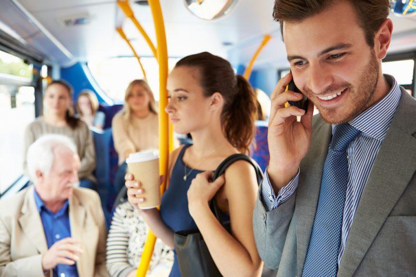 passagers dans un bus