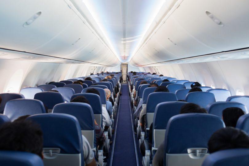 des sièges dans un avion
